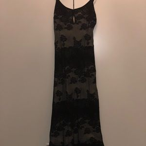Bebe black lace keyhole midi dress S